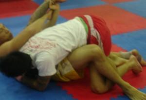 Muay Boran technieken, Muay Thai technieken, Grondvechten, Klemmen